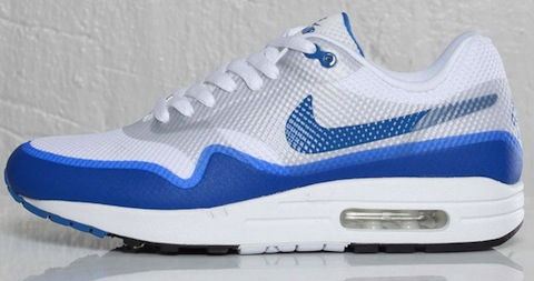 Often it feels like the AM1 has become a thing of the high street so easy to  come by in so many styles and colours. And when you see 'em around town ...
