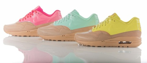 AM1VTWomensmixcolour