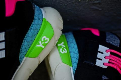adidas-y3-qasa-black-neon-4-900x600