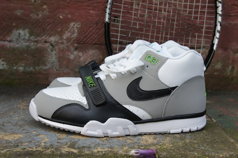 A pair a day for a year, Day 21, Nike Air Trainer 1 Mid