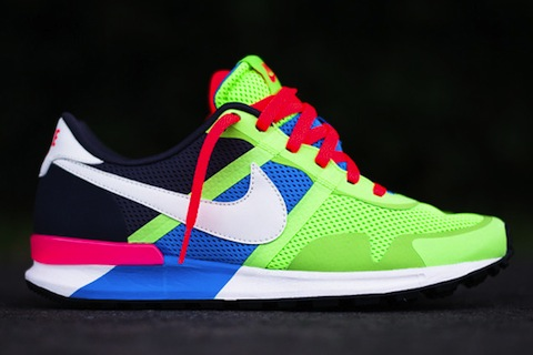 nike-air-pegasus-83-30-blue-hero-flash-lime