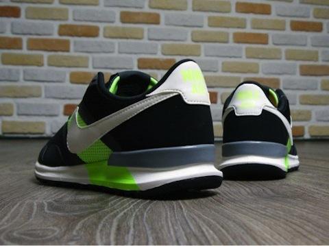 Herencia tierra discreción  Nike Air Pegasus 83/30 – a classic goes modern – The Word on the Feet