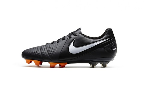 nike back to black CTR360_Profile_large