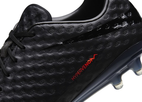 Nike back to black Hyper_Venom_Dtl1_large