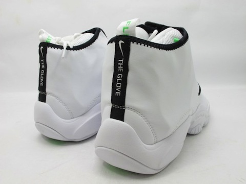 nike glove white black 4