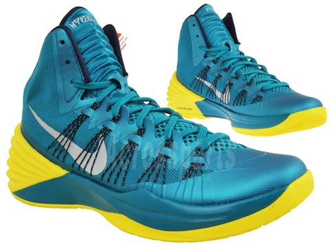 nike-hyperdunk-2013-tropical-teal-sonic-yellow-05