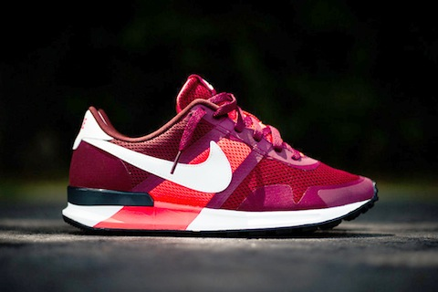 nike pegasus 83:80 Red