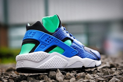 Nike-Air-Huarache-LE-size-exclusives-2013-5