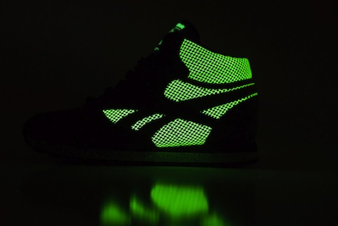 Reebok_CL_Leather_Mid_R12_-_Atmos_Sneaker_Politics_11_1024x1024