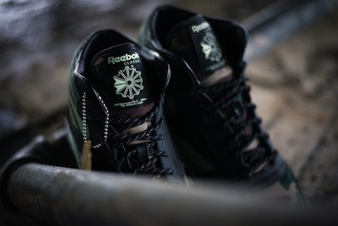 Reebok_CL_Leather_Mid_R12_-_Atmos_Sneaker_Politics_6_1024x1024