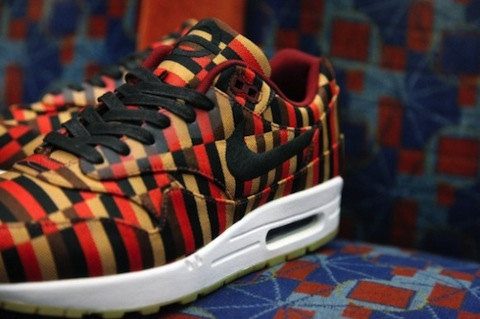 competitive price 132d9 8931e Nike Air Max 1 + Air Max 90 x Roundel – killed by resellers ...