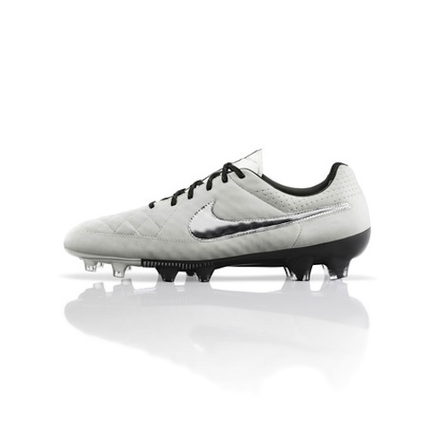 Global_Football_Product_TIempo_Cleats_V2_LegendV_26867