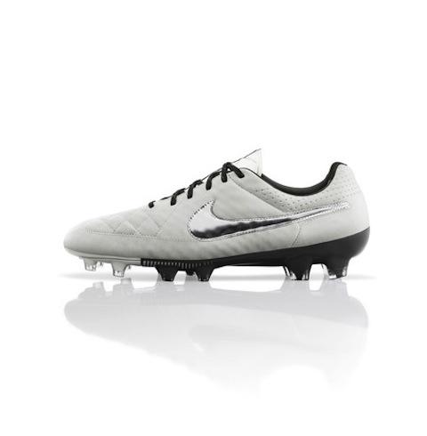 Global_Football_Product_TIempo_Cleats_V2_LegendV_26867
