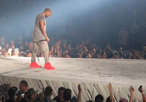 kanye-west-wearing-nike-yeezy-2-red-october