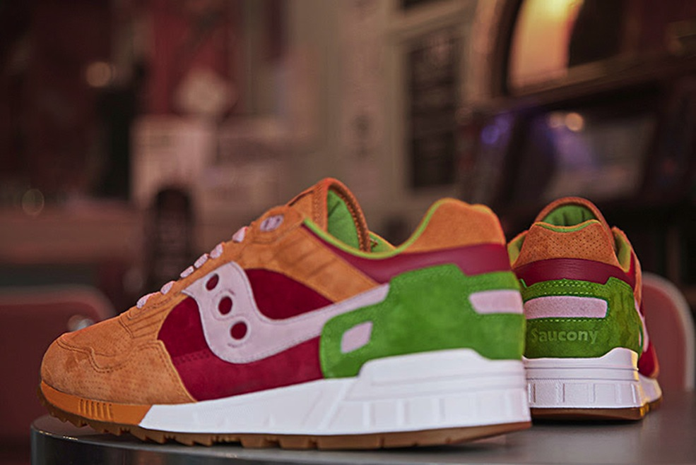a-detailed-look-at-end-saucony-burger-2