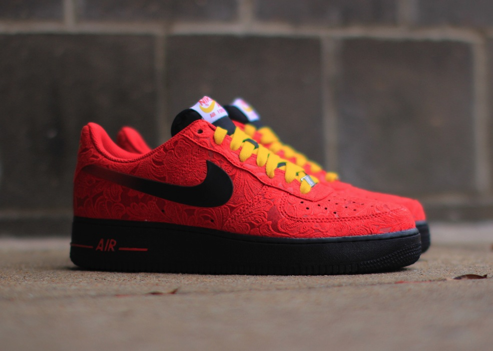 nike-air-force-1-university-red-paisley-1
