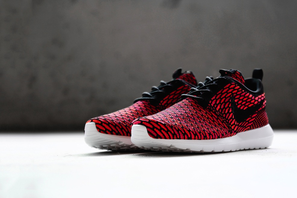 a-closer-look-at-the-nike-flyknit-roshe-run-2