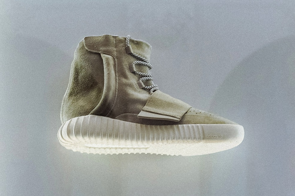 kanye-west-adidas-yeezy-750-boost-on-display-new-york-02-960x640