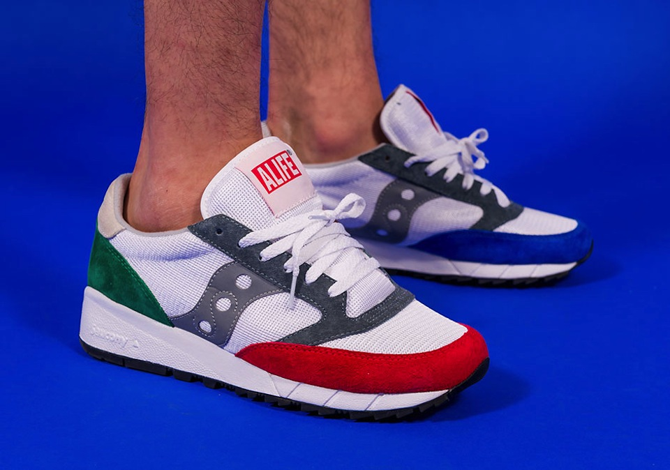 alife-x-saucony-jazz-91-apparel-collection-02