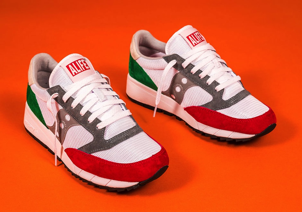 alife-x-saucony-jazz-91-apparel-collection-03
