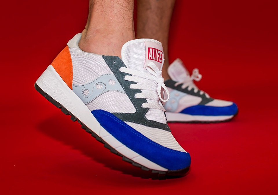 alife-x-saucony-jazz-91-apparel-collection-06