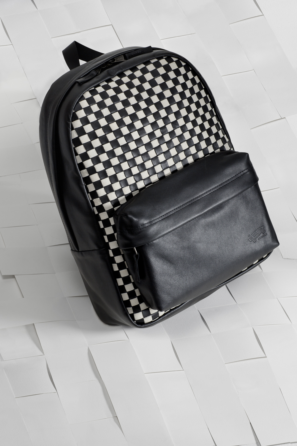 SP16_Vault_WovenCheckerboard_BlackandWhite_Backpack_Product_0207_w1
