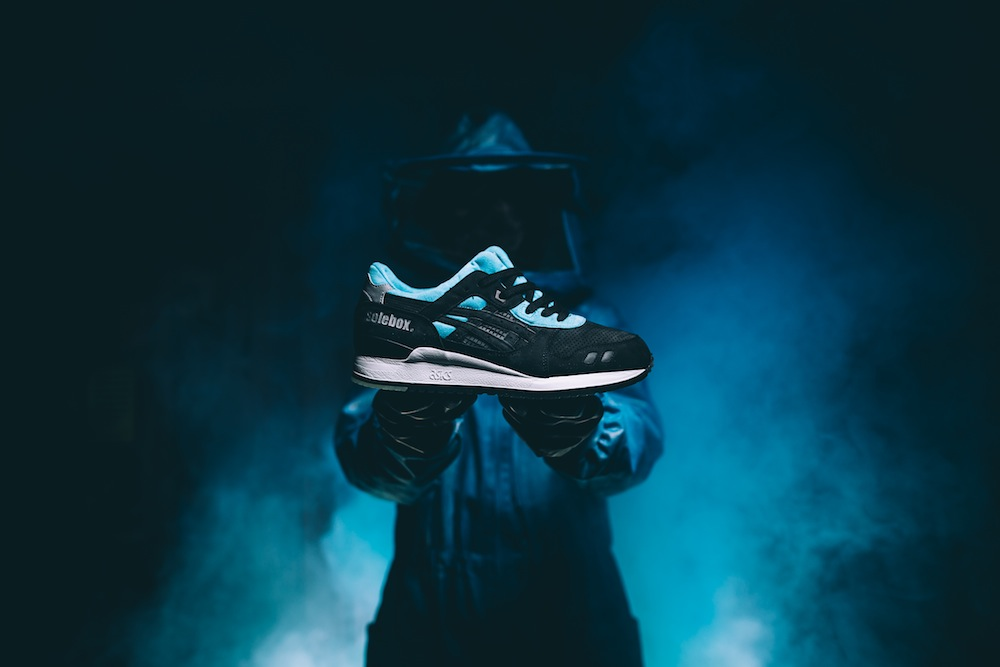 """new york 193c0 336e8 AsicsXSoleboxGL3-01. ASICS and SOLEBOX team up once again and drop another  killer GEL- LYTE III, the """"Blue Carpenter Bee"""" ..."""
