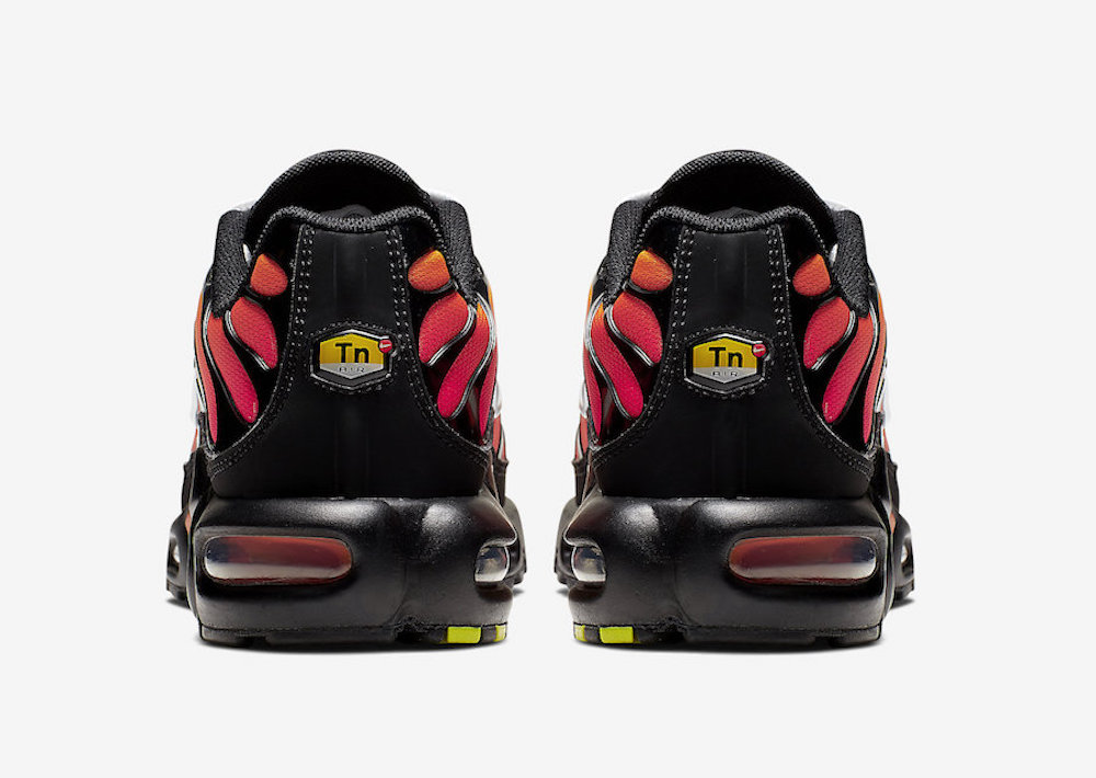 Nike-Air-Max-Plus-Tiger-Black-Orange-852630-040-Release-Date-8